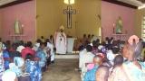 liturgii-przewodniczy-arcybiskup-jozef-kumuondala-mbimba