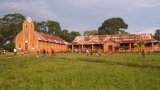 kosciol-i-dom-misyjny-w-lukolela
