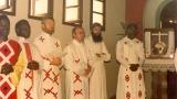 w-centrun-kataechetycznym-w-bikoro-misjonarze-ks-janusz-zwolinski-ks-stanislaw-skucinski-w-srodku-ks-andrzej-jaskrowski